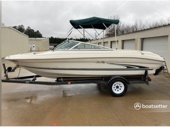 Rent a Sea Ray Boats bow rider in Austin, TX near me