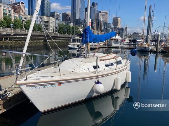 Rent a Catalina cruiser in Everett, WA near me