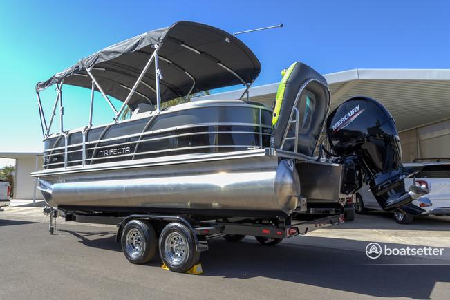 Rent a Trifecta pontoon in Lake Havasu City, AZ near me