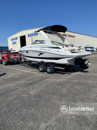 Rent a CROWNLINE BOATS ski and wakeboard in Harrison charter Township, MI near me
