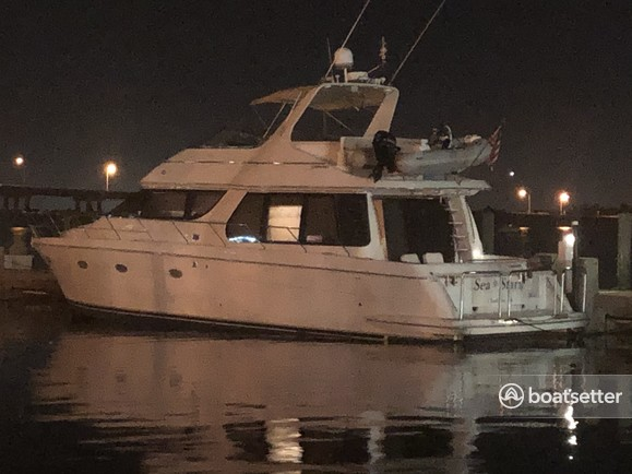 Rent a Carver Yachts motor yacht in Biloxi, MS near me