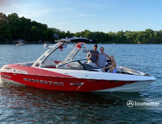 Rent a Malibu Boats performance in Savage, MN near me