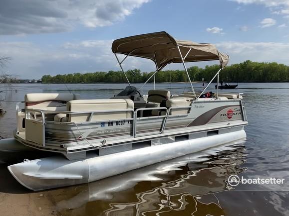Rent a Sun Tracker by Tracker Marine pontoon in Friendship, WI near me