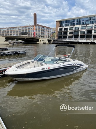 Rent a CHAPARRAL BOATS bow rider in Milwaukee, WI near me