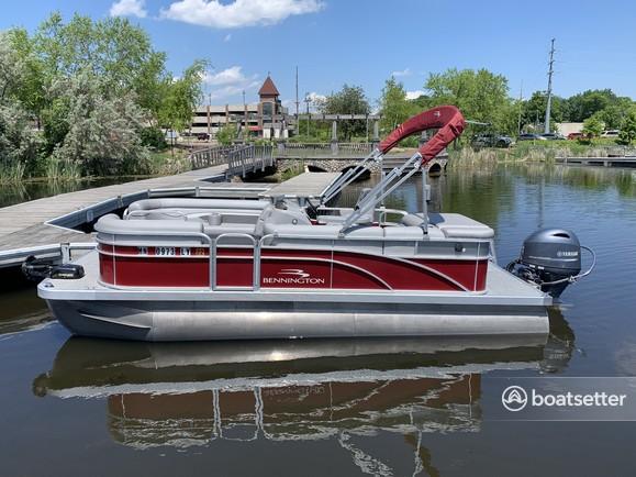 Rent a Bennington pontoon in Mound, MN near me