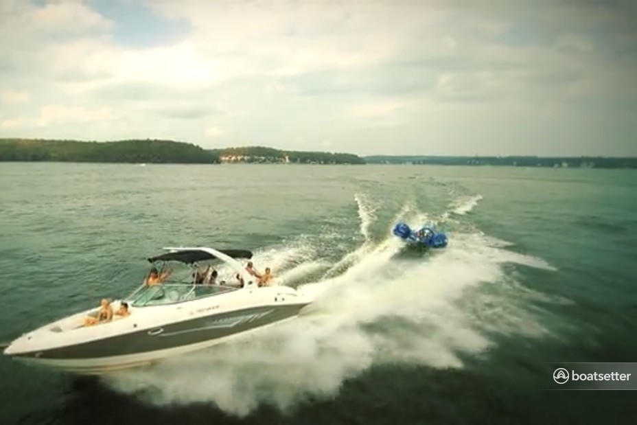 Rent a Rinker Boats bow rider in Lake Ozark, MO near me