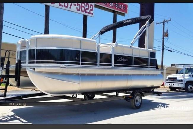 Rent a Berkshire Pontoons pontoon in Willis, TX near me