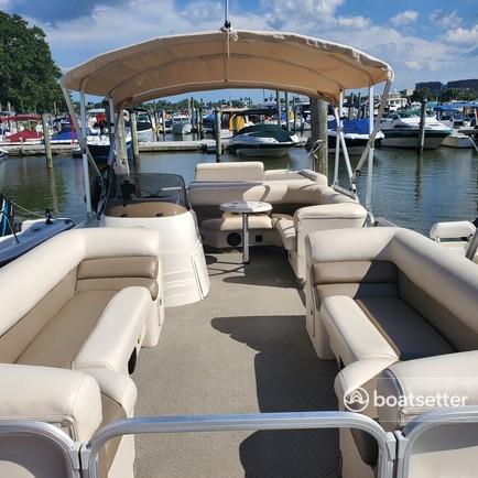 Rent a Suncatcher / G3 Boats pontoon in Washington, DC near me