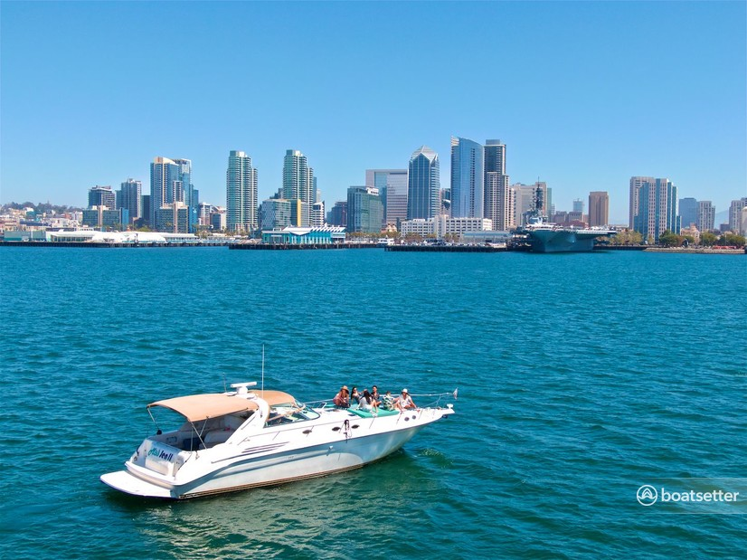 Rent a Sea Ray motor yacht in San Diego, CA near me