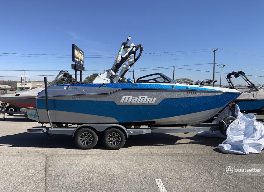 Rent a Malibu ski and_wakeboard in Austin, TX near me