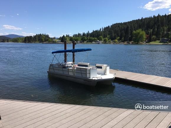 Rent a JC and Neptoon Pontoon pontoon in Harrison, ID near me