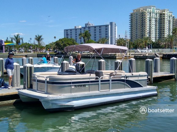 Rent a BENNINGTON MARINE pontoon in Sarasota, FL near me