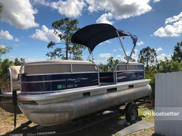 Rent a SUN TRACKER BY TRACKER MARINE pontoon in Fort Myers, FL near me