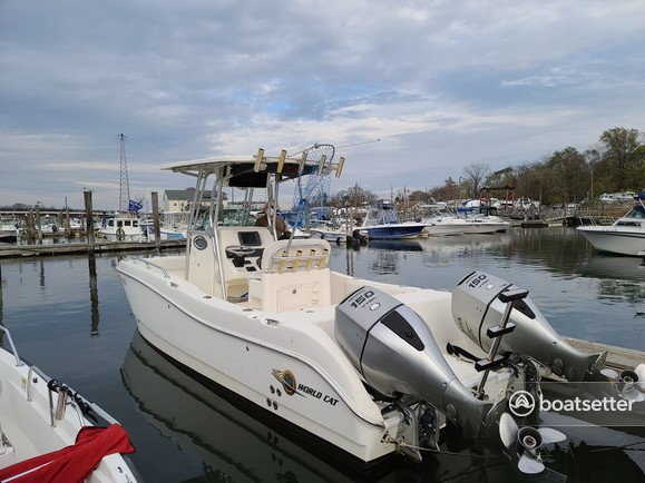 Rent a World Cat Boats catamaran in Union Beach, NJ near me