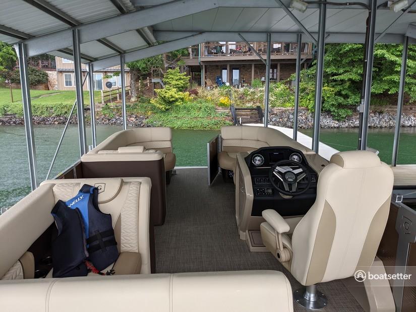 Rent a Godfrey pontoon in Morganton, GA near me