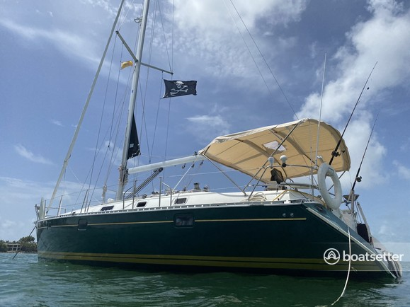 Rent a Beneteau USA cruiser racer in Miami Beach, FL near me