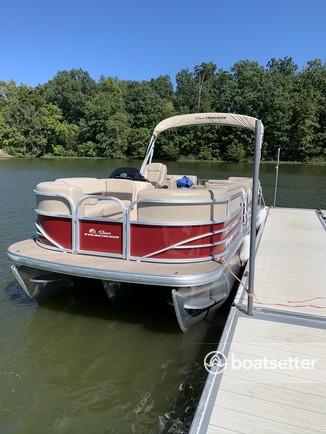 Rent a SUN TRACKER pontoon in Bumpass, VA near me