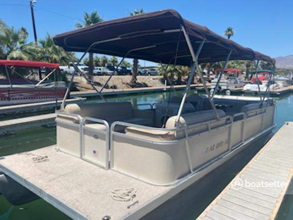 Rent a Godfrey Marine pontoon in Lake Havasu City, AZ near me