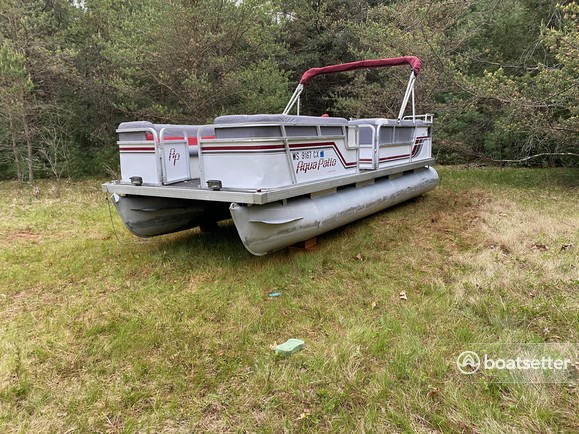 Rent a Godfrey Marine pontoon in Madison, WI near me