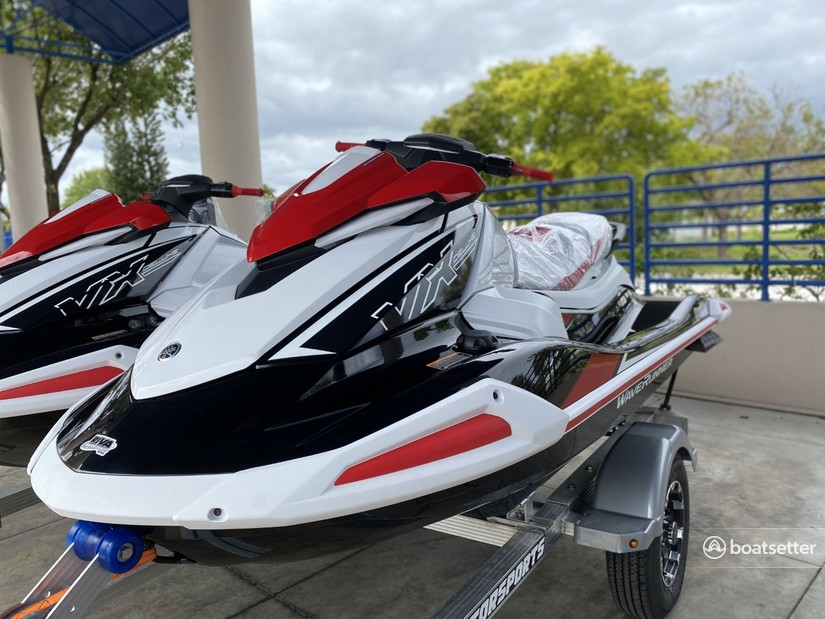 Rent a Yamaha jet ski_/_personal_water_craft in Miami, FL near me
