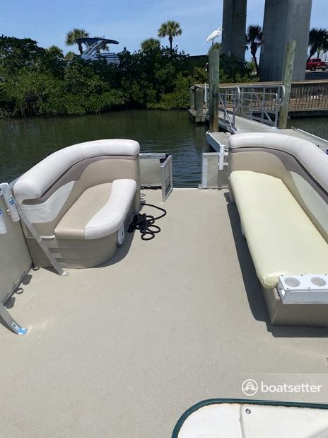 Rent a Crest Pontoons pontoon in Port Orange, FL near me