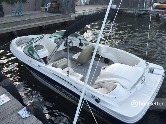 Rent a Sea Ray Boats bow rider in Andover, NJ near me