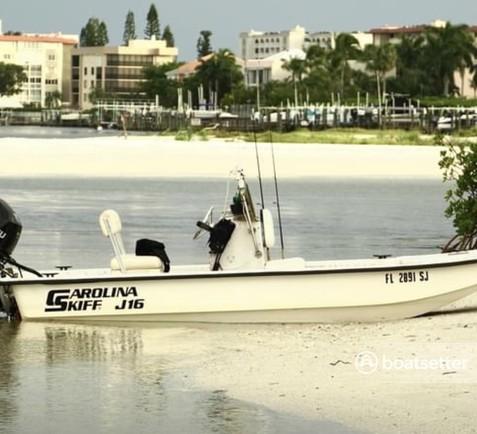 Rent a Carolina Skiff cruiser in Fort Myers, FL near me