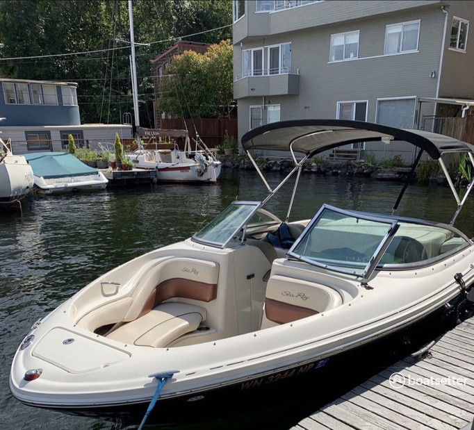 Rent a Sea Ray Boat deck boat in Seattle, WA near me