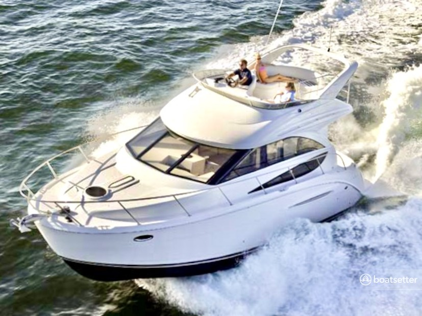 Rent a Meridian Yachts motor yacht in Arlington, VA near me