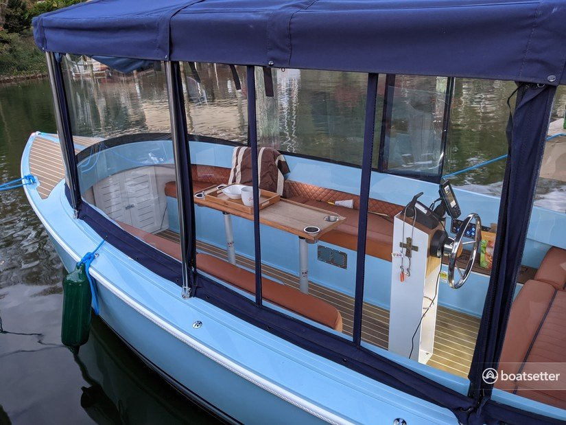 Rent a Canadian Electric Boat Company electric in Huddleston, VA near me