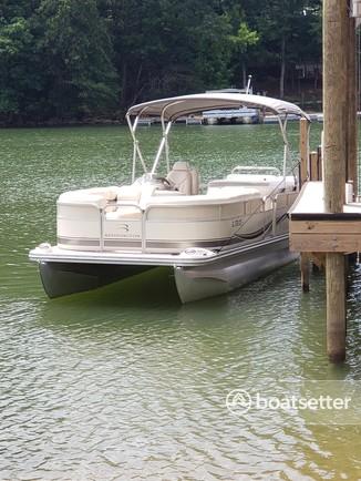 Rent a Bennington Marine pontoon in Rock Hill, SC near me