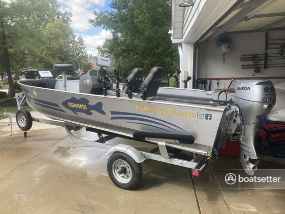 Rent a Lund Boats aluminum fishing in North Royalton, OH near me