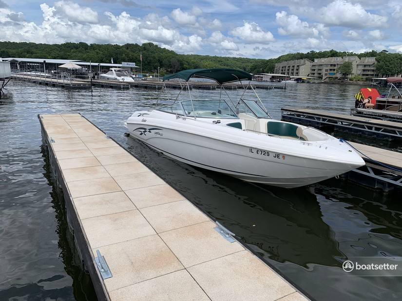 Rent a Rinker Boats bow rider in Osage Beach, MO near me
