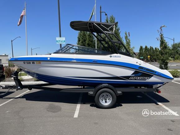 Rent a YAMAHA jet boat in Ridgefield, WA near me