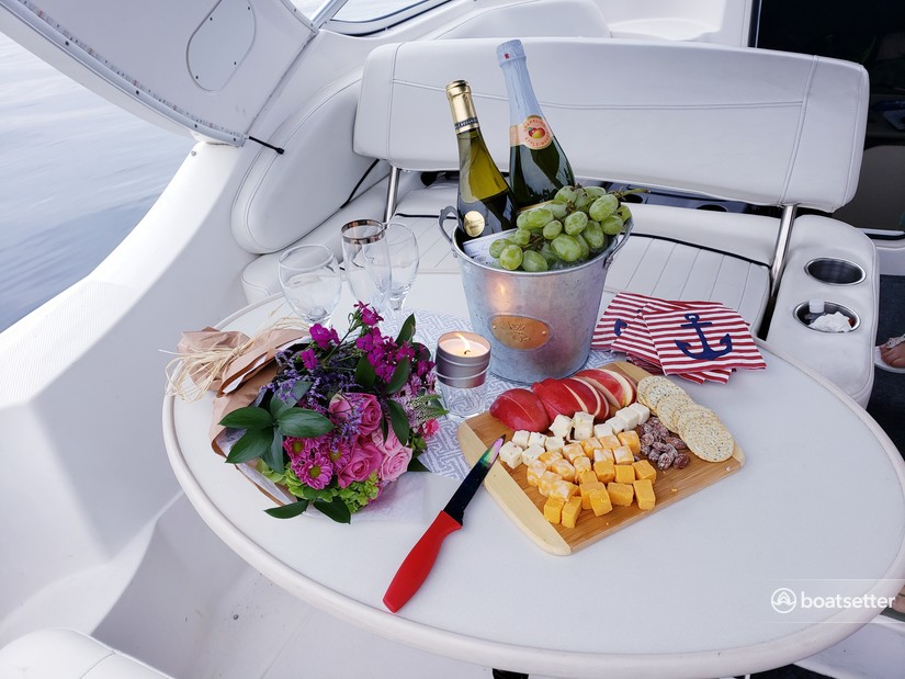 Rent a Bayliner cruiser in Seattle, WA near me