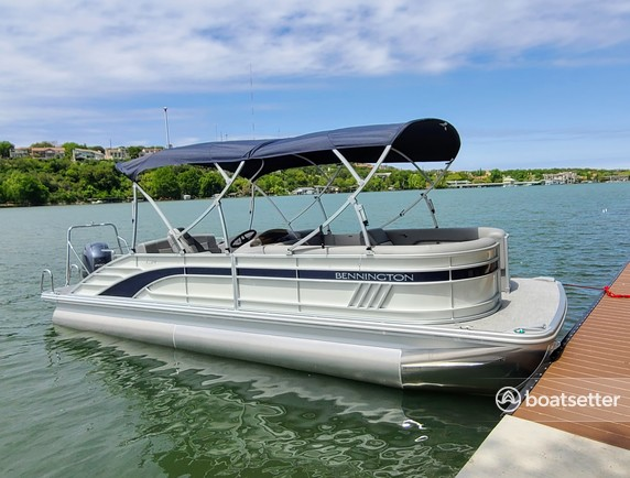 Rent a Bennington pontoon in Austin, TX near me