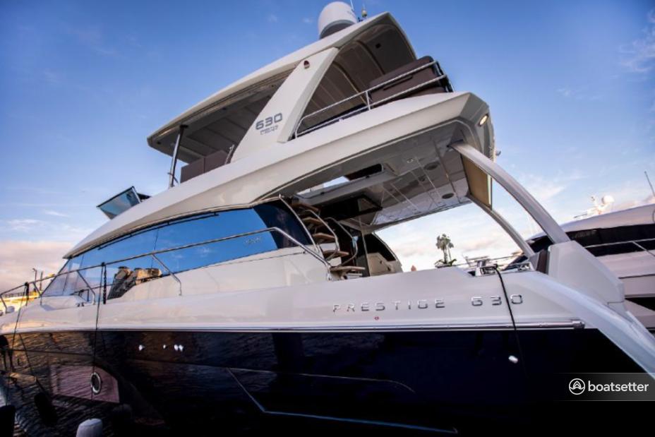 Rent a Prestige motor yacht in Chicago, IL near me