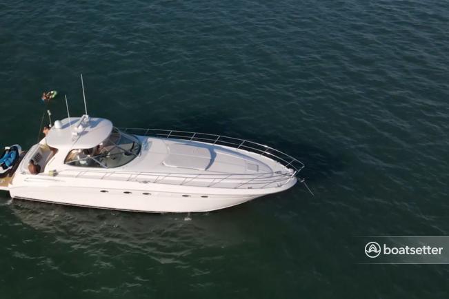 Rent a Sea Ray Boats cruiser in Hampton Bays, NY near me