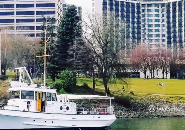 Rent a Classic Fantail motor yacht in Portland, OR near me