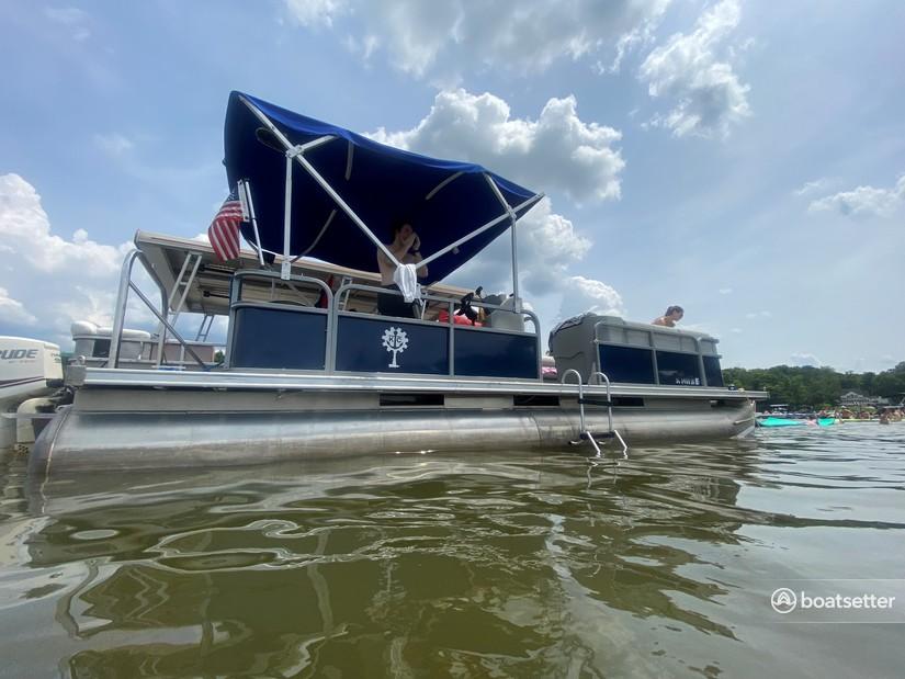 Rent a Harris FloteBote pontoon in Charlotte, NC near me