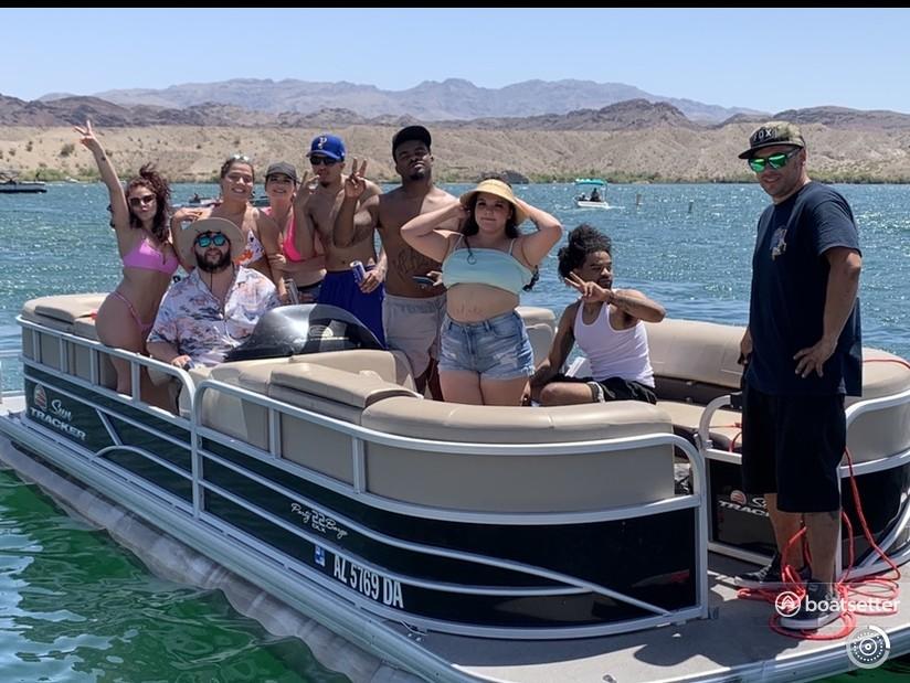 Rent a SUN TRACKER pontoon in Lake Havasu City, AZ near me
