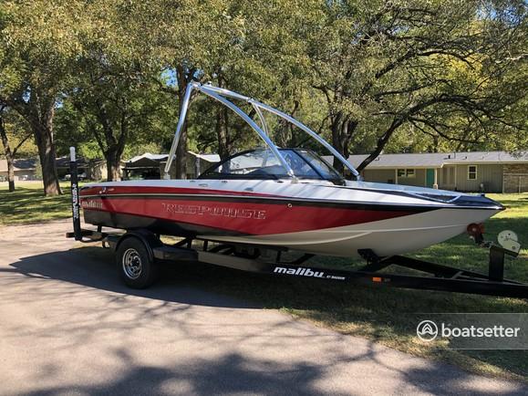 Rent a Malibu Boats ski and wakeboard in Austin, TX near me