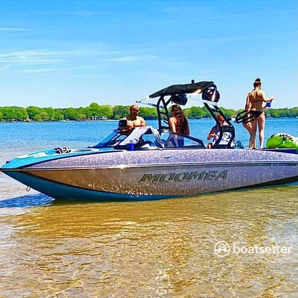 Rent a MOOMBA BY SKIERS CHOICE ski and wakeboard in Cornelius, NC near me