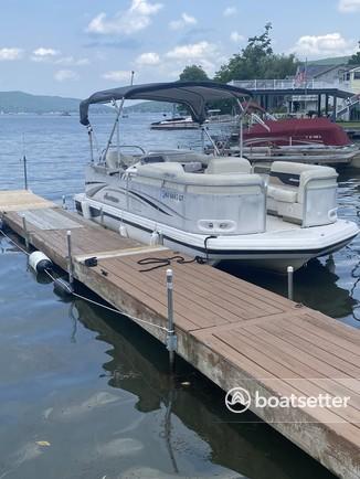 Rent a Hurricane Boats deck boat in Greenwood Lake, NY near me