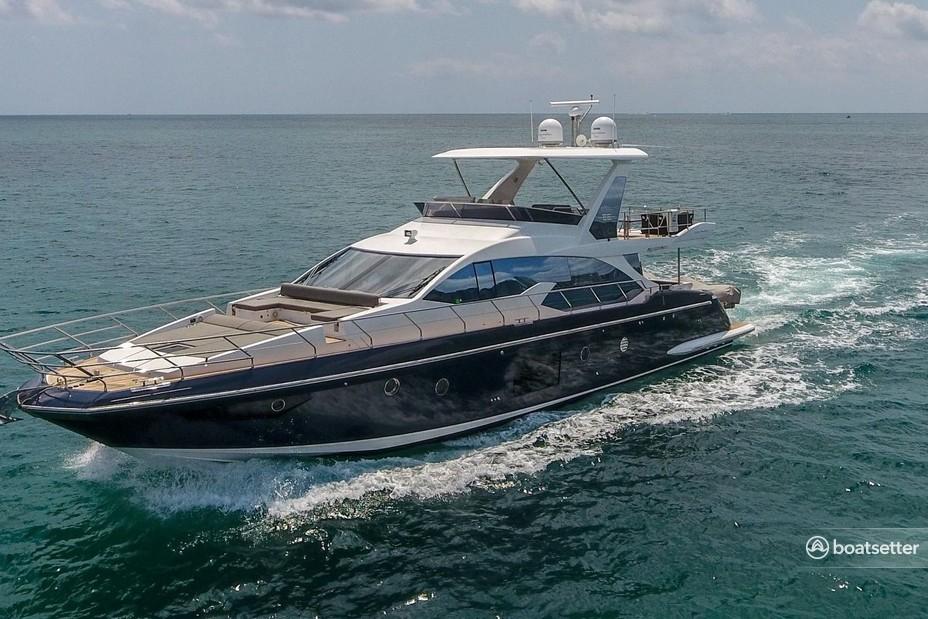 Rent a Azimut cruiser in Miami, FL near me
