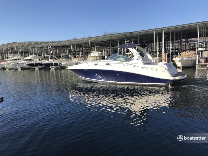 Rent a Sea Ray Boats cruiser in Eldon, MO near me
