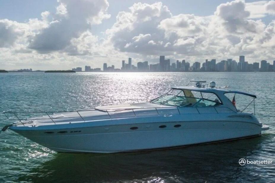Rent a Sea Ray Boats motor yacht in Sag Harbor, NY near me