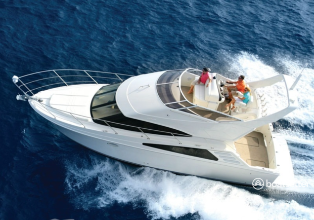 Rent a Carver Yachts motor yacht in Chicago, IL near me