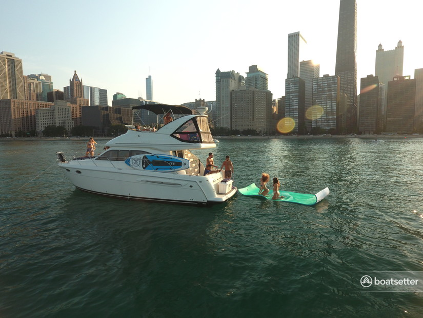 Rent a Meridian Yachts motor yacht in Chicago, IL near me