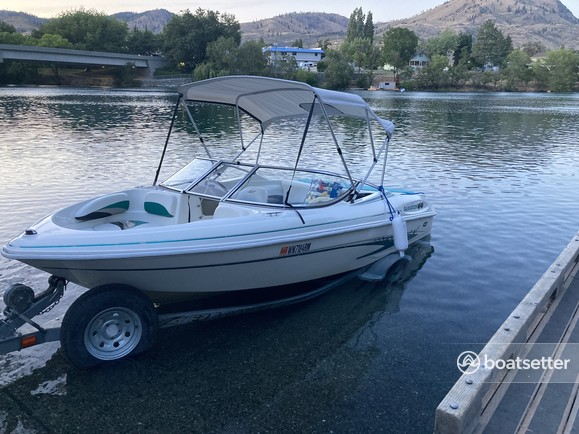 Rent a Glastron Boats bow rider in Chelan, WA near me